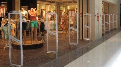 Clothing stores anti-theft solution